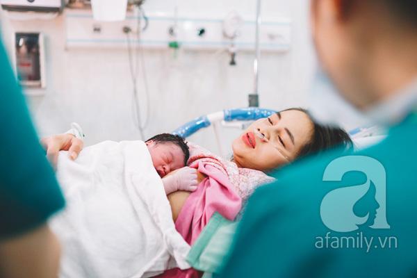 Những bộ ảnh vượt cạn đong đầy cảm xúc và chân thực đến từng centimet của mẹ Việt - Ảnh 12.