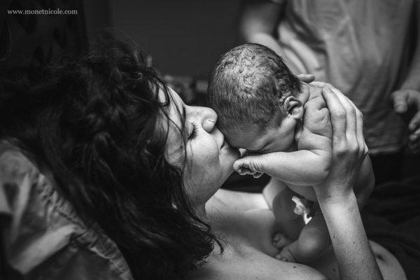 Những bức ảnh sinh nở xúc động đến nghẹt thở trong năm 2016 - Ảnh 15.
