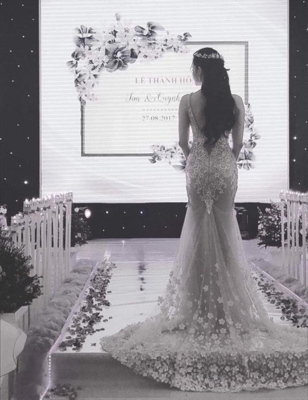 Trương Quỳnh Anh mặc áo cô dâu, úp mở sẽ làm đám cưới vào vào ngày mai - Ảnh 2.