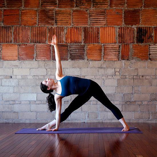 4 bài tập yoga giúp giảm đầy hơi, chướng bụng trong vài phút - Ảnh 4.