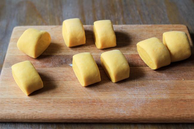 2 cách làm bánh bao chay thơm mềm ngon khó cưỡng - Ảnh 6