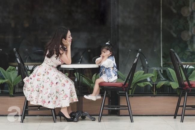 Bé Ella: cô nhóc 2 tuổi với phong cách đẹp miễn bàn nhờ diện đồ mẹ tự thiết kế - Ảnh 8.
