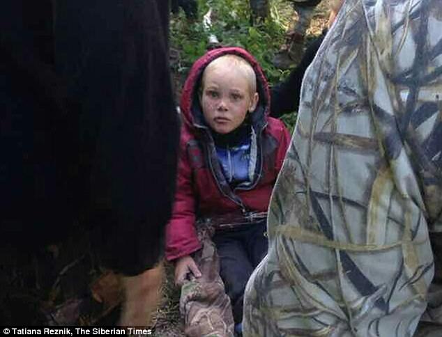 Cậu bé 4 tuổi sống sót thần kỳ sau 4 ngày lạc trong rừng đầy thú dữ - Ảnh 2.