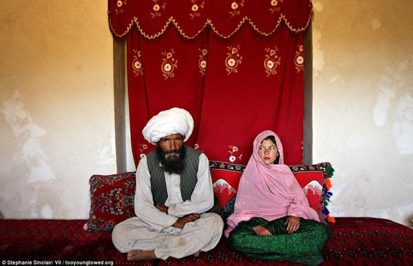 Số phận những cô dâu thiếu nhi bị ép kết hôn với người đáng tuổi ông mình vì hủ tục - Ảnh 3.