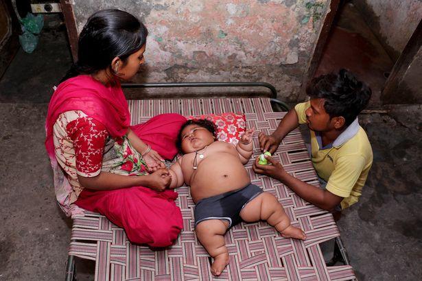 Bé gái mới 8 tháng tuổi khiến bác sĩ sốc khi kiểm tra sức khỏe - Ảnh 7.