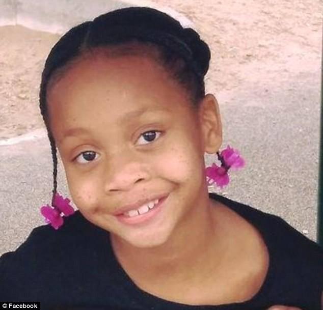 Sau khi nhìn thấy đoạn video trên mạng xã hội, bé gái 10 tuổi đã treo cổ tự tử - Ảnh 4.