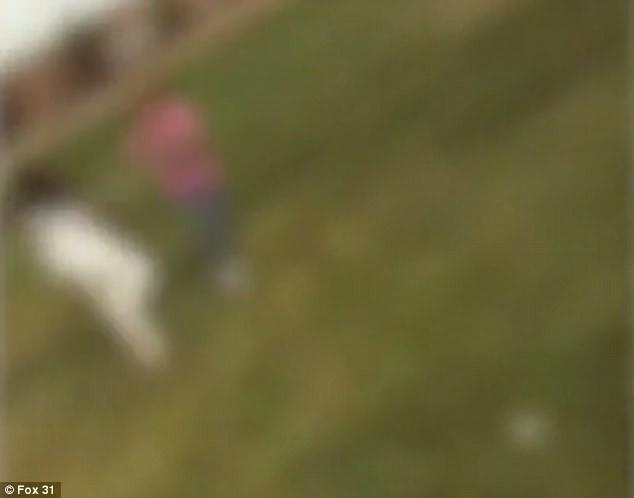 Sau khi nhìn thấy đoạn video trên mạng xã hội, bé gái 10 tuổi đã treo cổ tự tử - Ảnh 2.