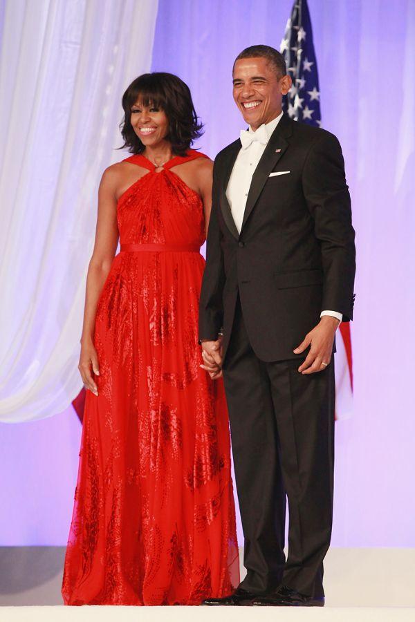 Zoom vào 12 chiếc váy đỏ được coi là ấn tượng nhất trong lịch sử thời trang - Ảnh 7.