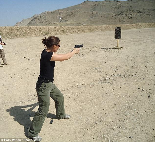 Bí quyết giữ dáng chuẩn để đảm bảo công việc vệ sĩ của một nữ đặc vụ an ninh - Ảnh 1.