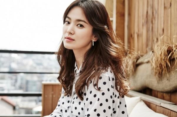 Bí quyết trẻ đẹp như thời thanh xuân của Song Hye Kyo, đơn giản đến mức ai cũng học được - Ảnh 4.