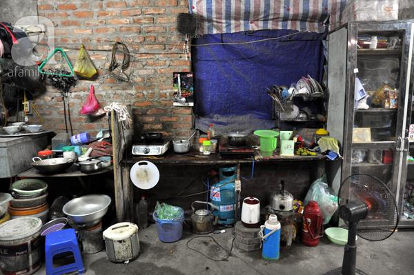 Chuyện về những người ăn cơm 8000 đồng/bữa, vui vẻ sống trong biệt thự triệu đô - Ảnh 8.