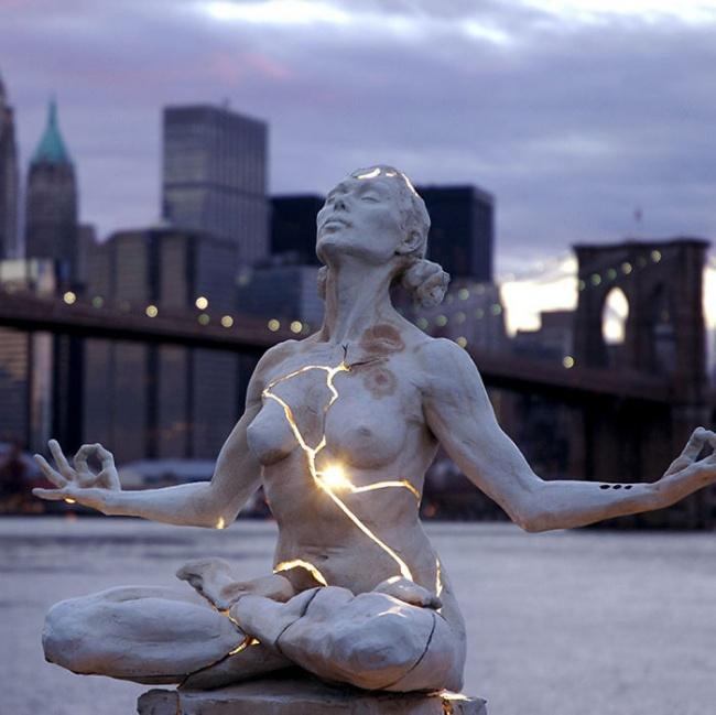 Những bức tượng độc đáo khiến bạn không thể tin là chúng tồn tại - Ảnh 4.