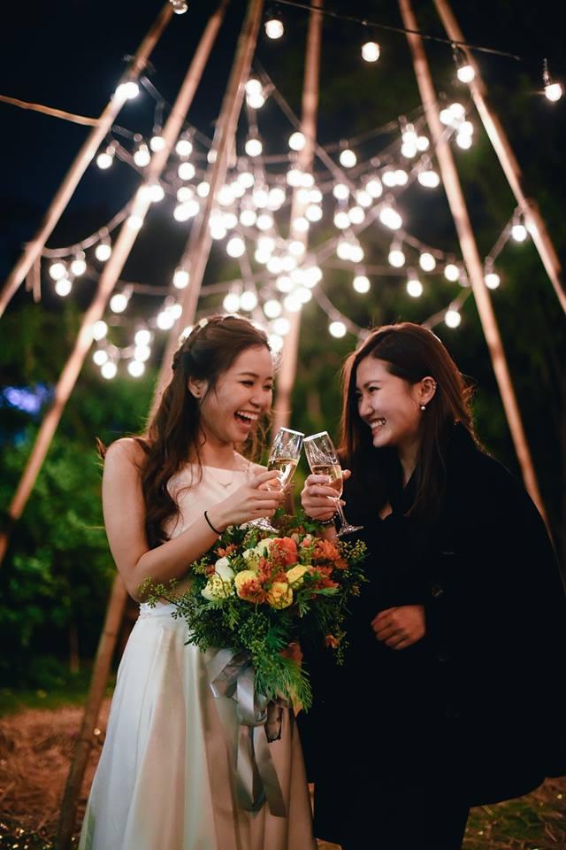 Yêu chết đi được với đám cưới siêu xinh tại khu vườn màu xanh của cặp đôi từng hẹn ước dưới mưa sao băng - Ảnh 22.