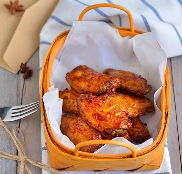 Cánh gà nướng tỏi ớt vừa đơn giản lại tuyệt ngon - Ảnh 5.