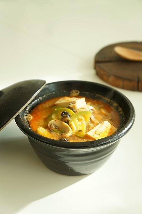 Xuýt xoa ngày lạnh với món canh ốc đậu phụ nấu cay - Ảnh 7.