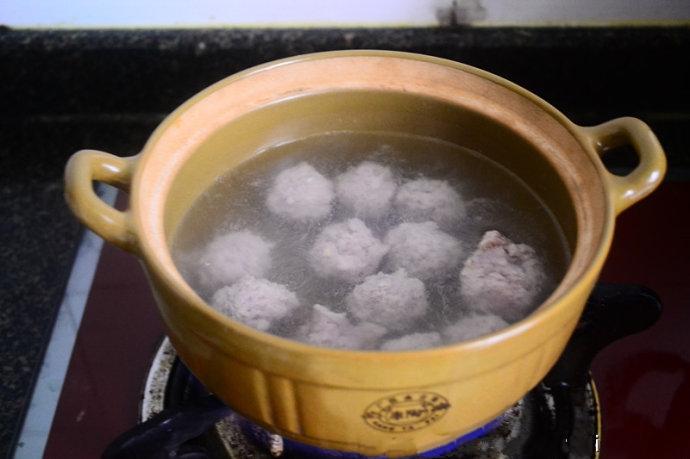 Canh thịt viên nấu váng đậu đơn giản cho bữa tối - Ảnh 4