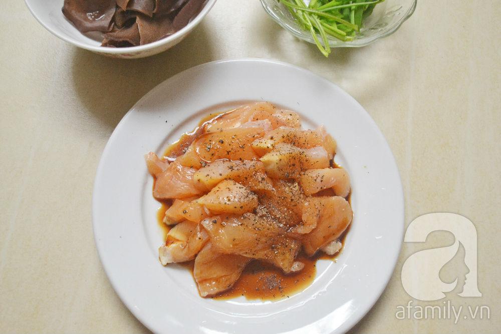 5 bước nấu canh gà thanh đạm không lo tích mỡ ngày lạnh - Ảnh 2