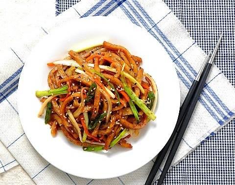 Cơm tối rẻ mà ngon với chả cá xào rau củ làm trong 15 phút - Ảnh 6.
