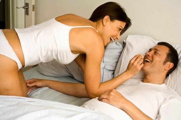 """Bất ngờ với câu thỏ thẻ lúc nửa đêm của ông chồng chỉ biết hỏi: """"Em ơi, hôm nay ăn gì?"""" - Ảnh 2."""