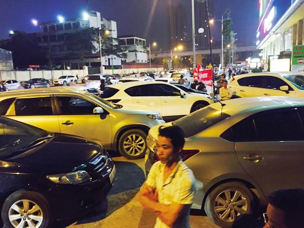 Hà Nội: Chủ đầu tư chặn hầm, không cho ô tô vào chung cư Hồ Gươm Plaza khiến giao thông tắc nghẽn - Ảnh 2.