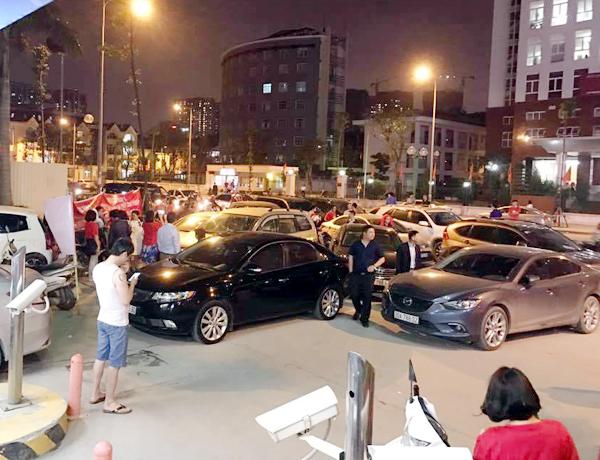 Hà Nội: Chủ đầu tư chặn hầm, không cho ô tô vào chung cư Hồ Gươm Plaza khiến giao thông tắc nghẽn - Ảnh 5.