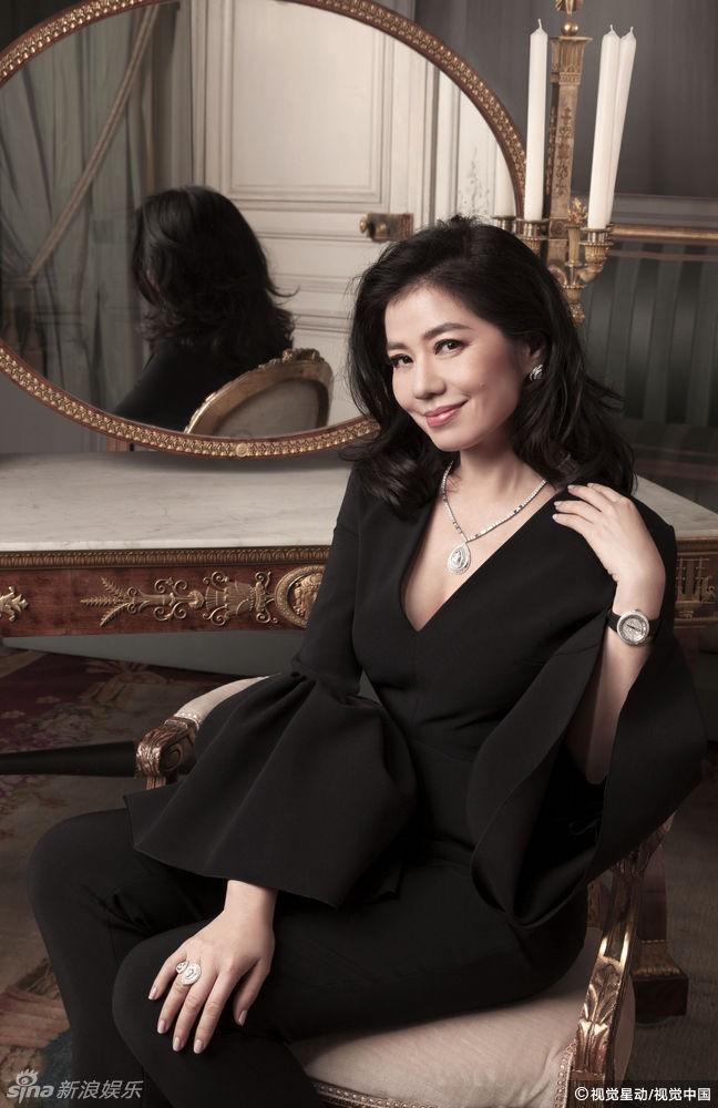 Chung Sở Hồng: Từ cô đào Hong Kong nóng bỏng giải nghệ để làm vợ đại gia đến góa phụ quyến rũ - Ảnh 19.