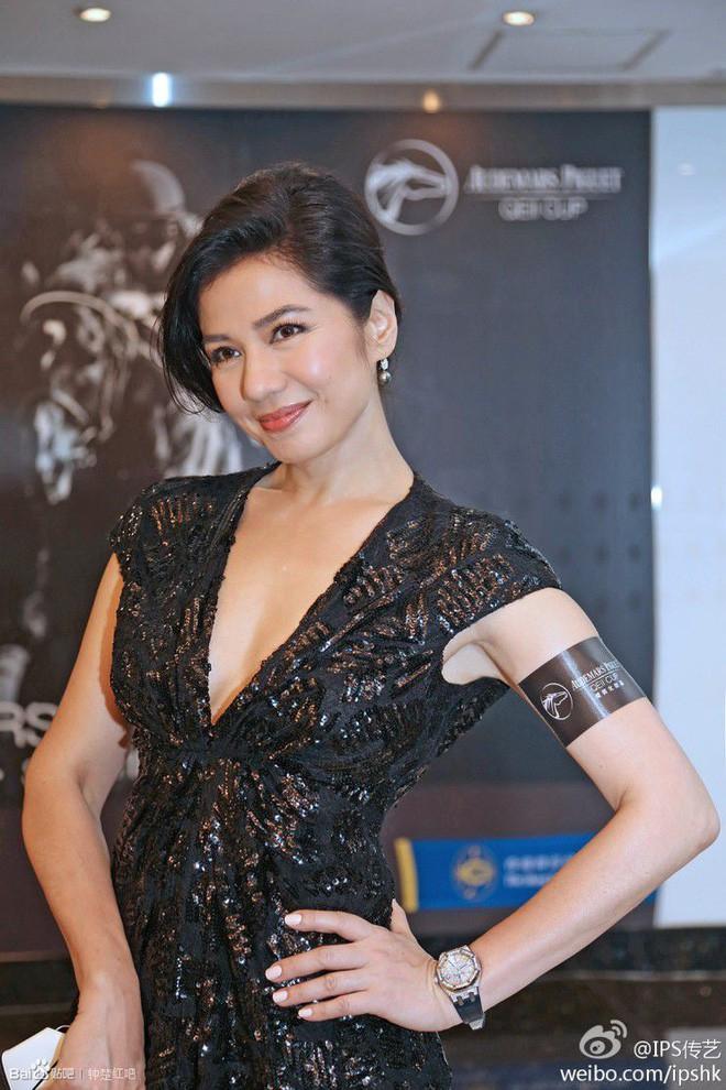 Chung Sở Hồng: Từ cô đào Hong Kong nóng bỏng giải nghệ để làm vợ đại gia đến góa phụ quyến rũ - Ảnh 26.