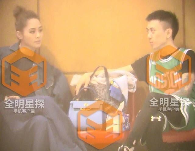 Chung Hân Đồng lộ ảnh hẹn hò với thiếu gia khét tiếng của Thượng Hải - Ảnh 1.