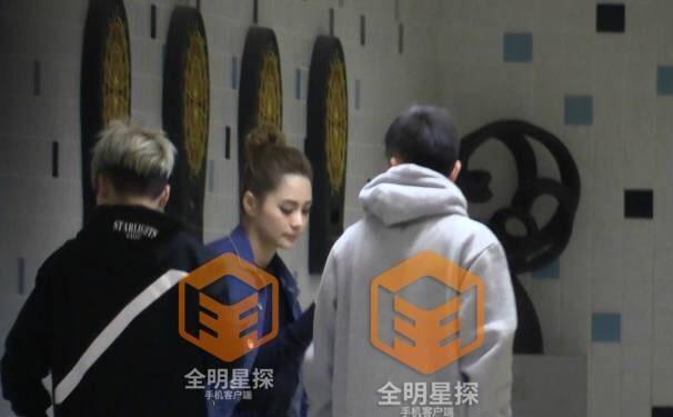 Chung Hân Đồng lộ ảnh hẹn hò với thiếu gia khét tiếng của Thượng Hải - Ảnh 2.