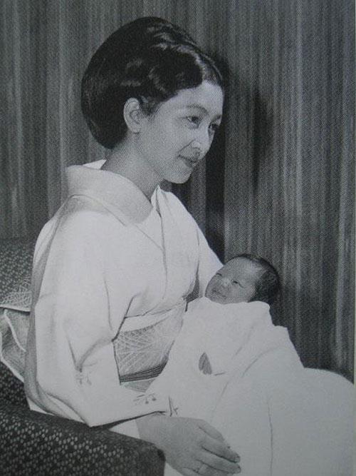 Hoàng hậu có xuất thân thường dân đầu tiên trong lịch sử Nhật Bản và câu chuyện làm dâu hoàng gia hà khắc - Ảnh 11.