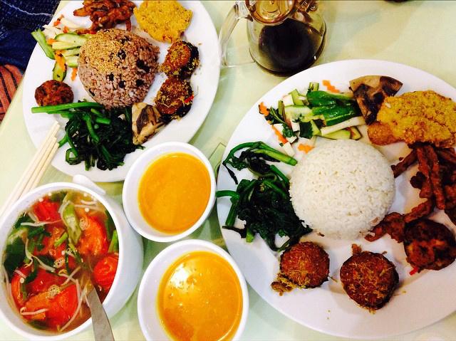 6 quán ăn ngon không chê vào đâu được trên phố Quán Thánh - Ảnh 14.