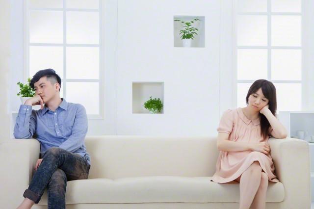 Khi biết bí mật về bức tranh tôi treo ở nhà bố mẹ, chồng tôi đã làm ra hành động khó tin này - Ảnh 2.