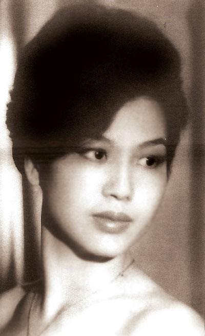 Phận đời thăng trầm của Hoa hậu Việt Nam đầu tiên: mồ côi mẹ, mang tiếng chửa hoang, trở thành nữ Tiến sĩ Sử học - Ảnh 3.