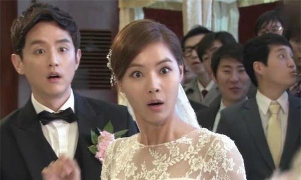 Chú rể chung thủy nhất 2017 đây rồi, mời người cũ đi đám cưới còn tranh thủ thả thính: Em là hạnh phúc của anh - Ảnh 4.