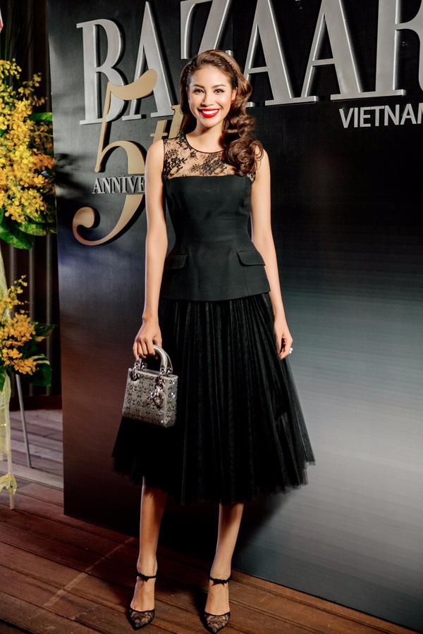 Những người đẹp Việt rất trung thành với một hãng túi hiệu - Ảnh 36.