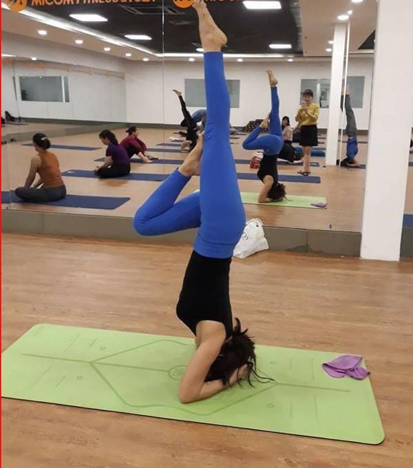 """Đẹp và khỏe hơn nhờ tập yoga, người phụ nữ này thường xuyên được khen """"như hai chị em"""" khi đi cùng con gái - Ảnh 8."""