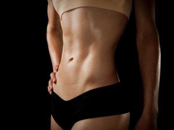 Masage bằng loại dầu quen thuộc này sẽ giúp giảm béo bụng, sở hữu bụng phẳng chỉ trong vài tuần! - Ảnh 1.