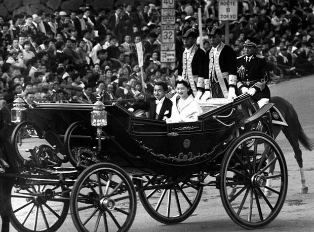 Hoàng hậu có xuất thân thường dân đầu tiên trong lịch sử Nhật Bản và câu chuyện làm dâu hoàng gia hà khắc - Ảnh 6.