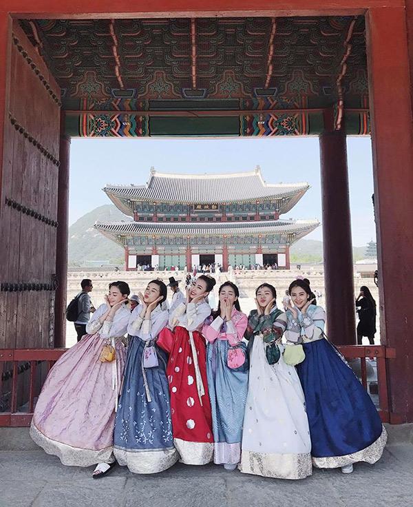 Nhóm bạn thân 6 hotmom Hà Nội trẻ xinh, kinh doanh giỏi, du lịch nước ngoài như đi chợ khiến chị em ngưỡng mộ - Ảnh 5.