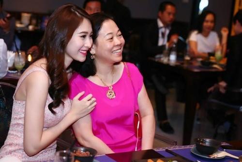 Những điều ít biết về mẹ chồng và nhà chồng đại gia của Hoa hậu Thu Thảo - Ảnh 8.