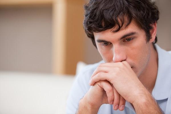 Những gì vợ đối xử với em trai khiến tôi đau lòng quá đỗi - Ảnh 1.