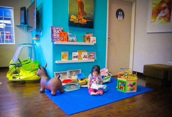 Học người Mỹ cách dạy trẻ yêu thích đọc sách - Ảnh 3.