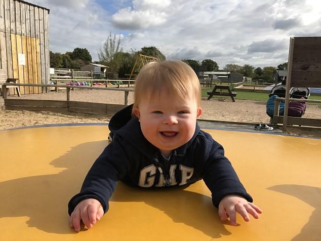 Được khuyên bỏ thai vì con mắc bệnh Down, mẹ kiên quyết từ chối và hạnh phúc nhận kết quả vài tháng sau đó - Ảnh 8.