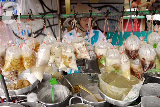Chiều mát rượi đi ăn chè 22 món, nghe cô Lộc kể chuyện hơn 40 năm giữ xe chè chỉ để... trả ơn Sài Gòn - Ảnh 3.