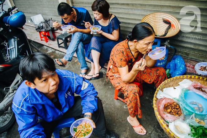 Hàng nộm bò khô không tên phố Gầm Cầu khiến người Hà Nội nghiện suốt 30 năm - Ảnh 10.