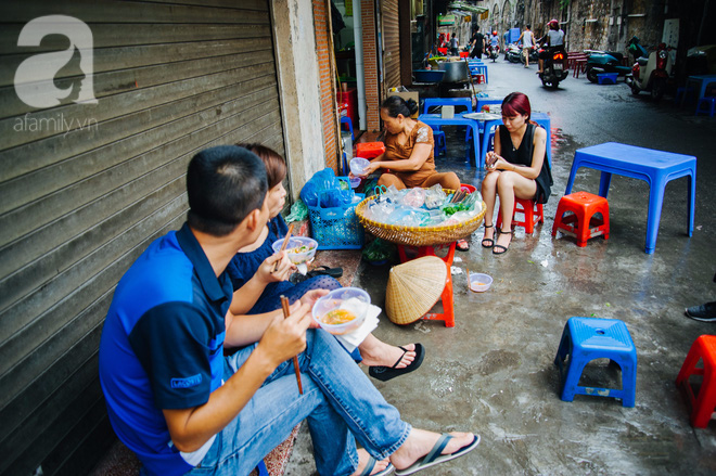 Hàng nộm bò khô không tên phố Gầm Cầu khiến người Hà Nội nghiện suốt 30 năm - Ảnh 9.