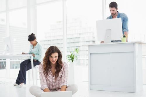 Đây là những lợi ích bạn sẽ nhận được nếu đứng làm việc chứ không phải ngồi - Ảnh 1.