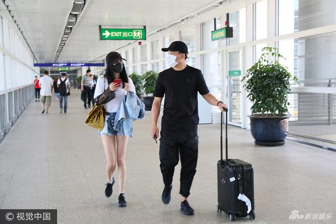 Dương Mịch khoe hình ảnh trẻ như sinh viên khi gặp lại thầy cô - Ảnh 5.