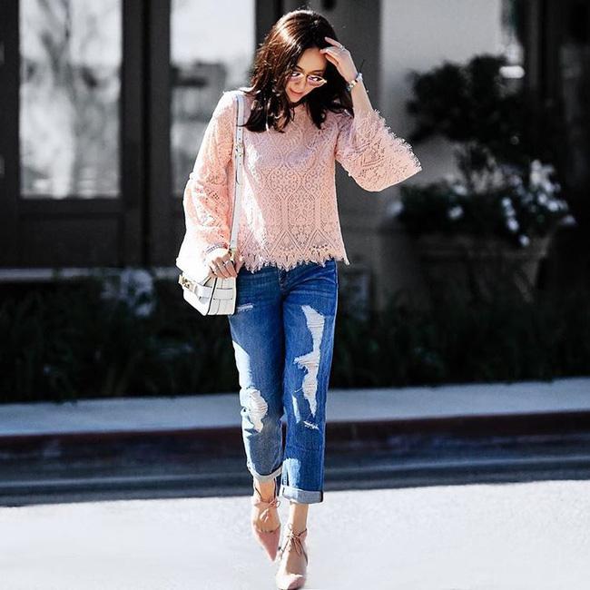 Áo phông, quần jeans, dép lê... đồ đi chơi mà diện đi làm vẫn đẹp, thanh lịch miễn chê! - Ảnh 14.