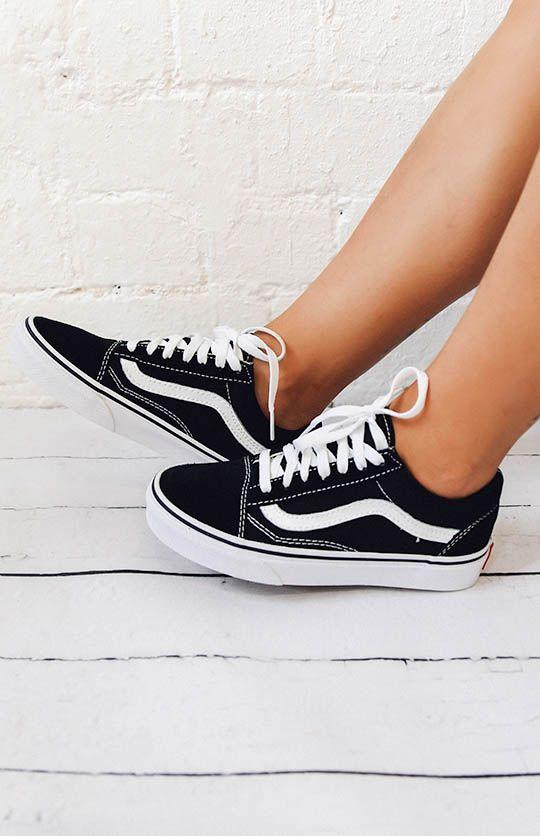 Dù ngoài kia có la liệt những thiết kế mới, thì phái đẹp vẫn luôn mê mệt 5 đôi sneaker này - Ảnh 9.